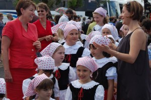 Feast of the Three Saints - QLD Premier Anna Bligh and the girls